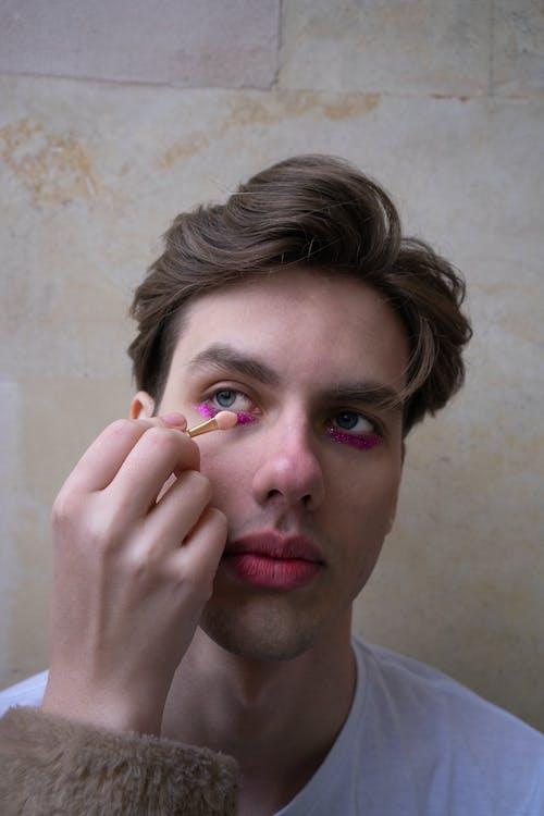 Kostenloses Stock Foto zu make-up, mann, person, porträt