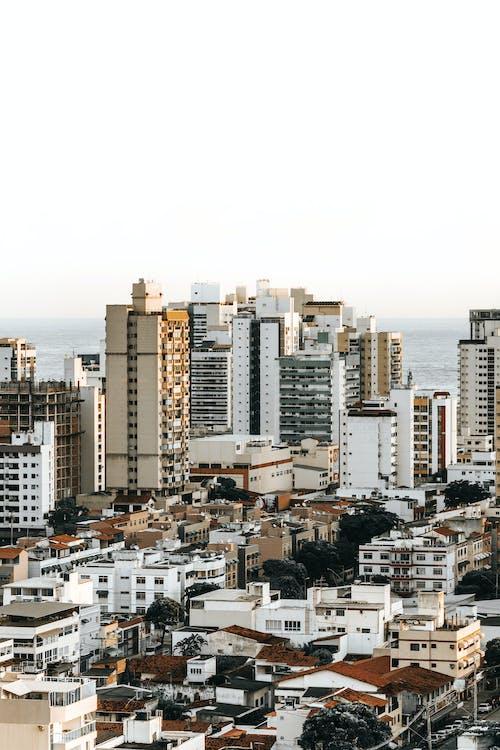 açık hava, binalar, çok katlı binalar, drone içeren Ücretsiz stok fotoğraf
