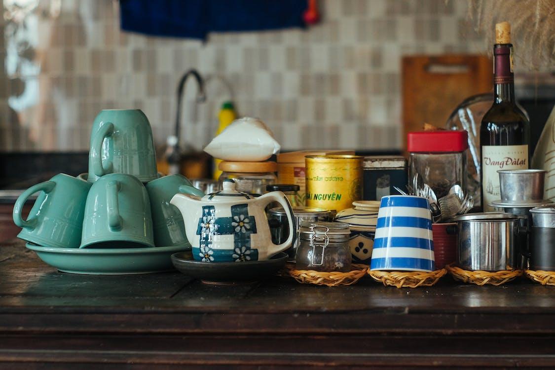 廚房, 杯子, 桌子