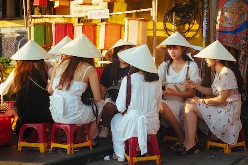 고깔형 모자, 드레스, 레저, 레크리에이션의 무료 스톡 사진