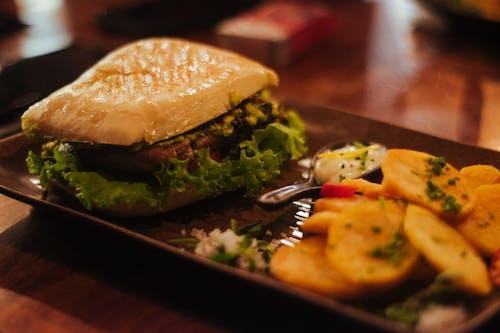 감자, 소고기 버거, 음식, 음식 사진의 무료 스톡 사진