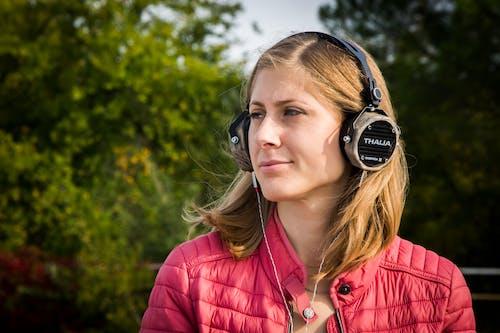 Photos gratuites de audio, bois, casque, en bois