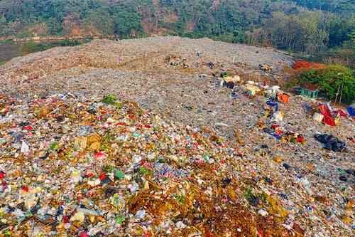 Immagine gratuita di cianfrusaglie, cumulo di rifiuti, discarica, disordinato