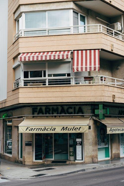 Kostnadsfri bild av arkitektur, balkong, byggnad, byggnadsexteriör