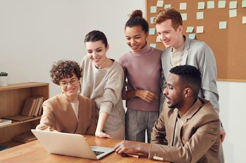 คลังภาพถ่ายฟรี ของ การทำงาน, การทำงานเป็นทีม, การประชุม, การระดมสมอง