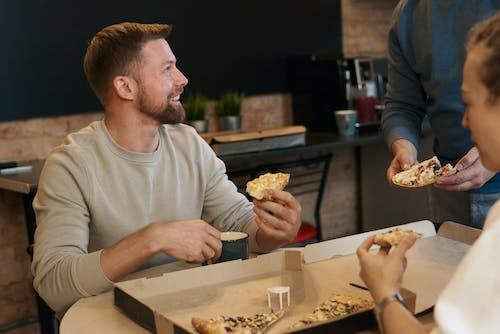 Immagine gratuita di barba, camera, cibo, espressione facciale