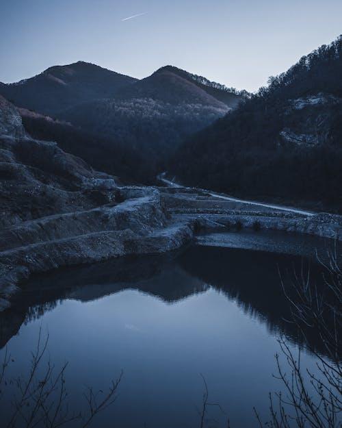 açık hava, akşam karanlığı, buz, dağ içeren Ücretsiz stok fotoğraf