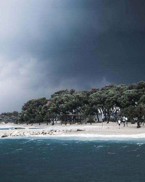 açık hava, ada, ağaçlar, bulutlar içeren Ücretsiz stok fotoğraf