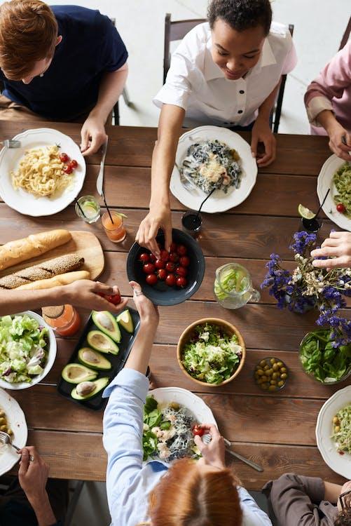 คลังภาพถ่ายฟรี ของ การชุมนุม, การถ่ายภาพอาหาร, การรับประทานอาหาร