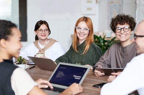 團隊, 女性, 婦女, 室內 的 免費圖庫相片