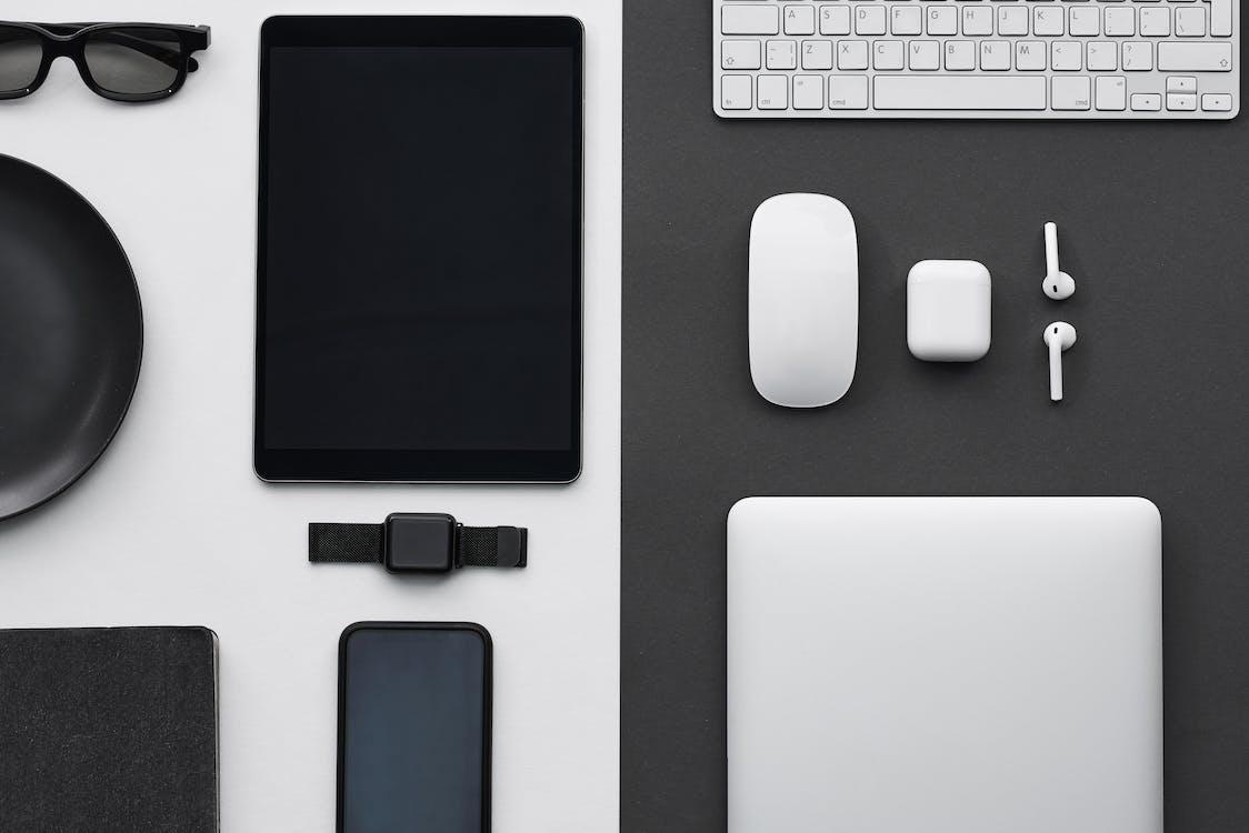flatlay, gadgets, smartwatch