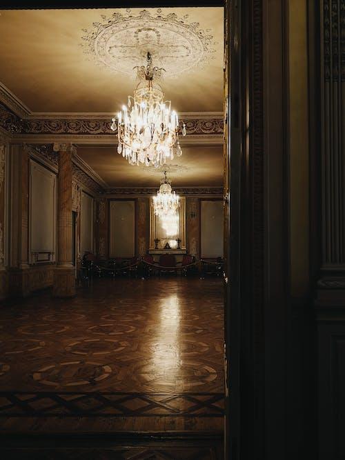 Darmowe zdjęcie z galerii z architektura, pałac, rosja, światło i cień