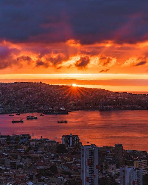 傍晚的天空, 光, 城市, 天空 的 免费素材照片