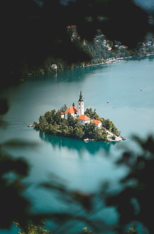 Ilmainen kuvapankkikuva tunnisteilla arkkitehtuuri, heijastus, järvi, järvi veri
