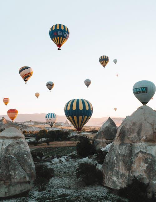 Foto profissional grátis de alto, ao ar livre, aventura, balões
