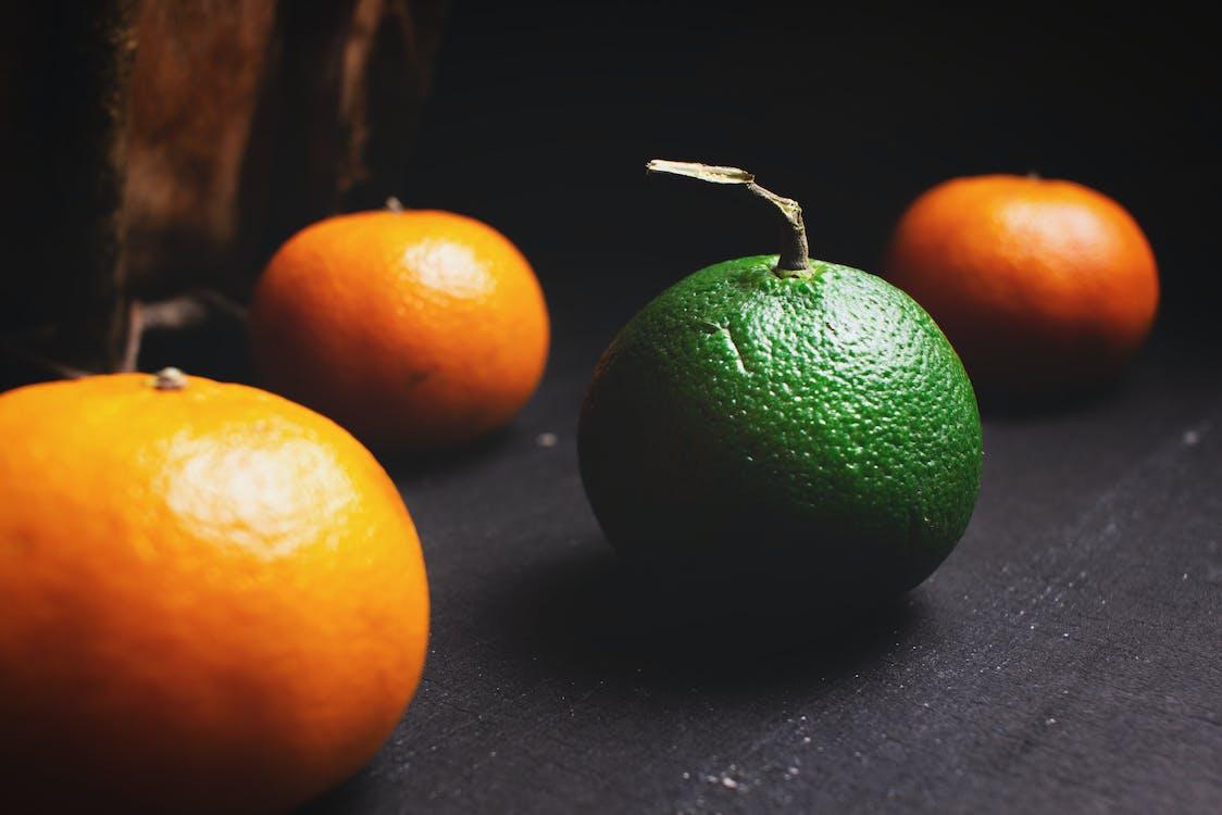 Pomarańczowe I Zielone Owoce Cytrusowe