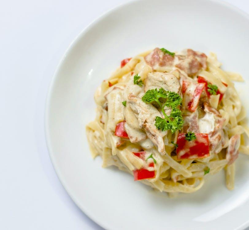 Free stock photo of bell pepper, chicken, chicken linguine pasta