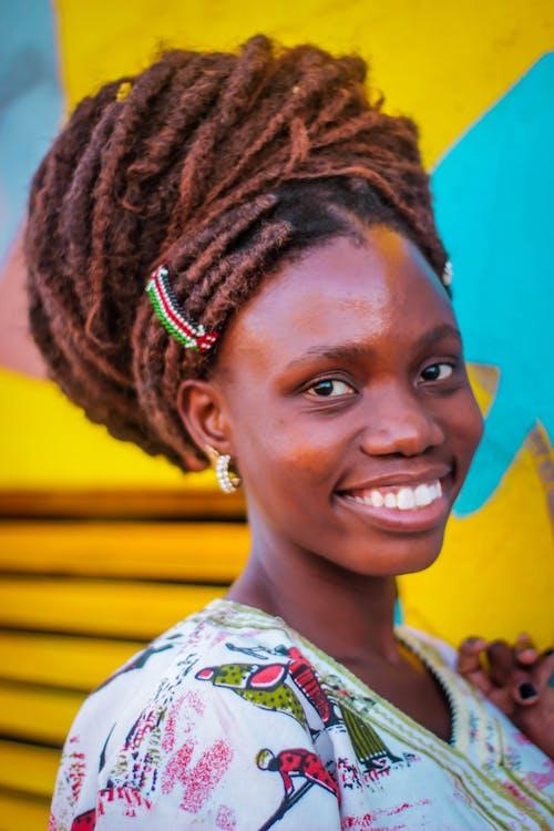 Gratis arkivbilde med afrikansk-amerikansk kvinne, dreadlocks, frisyre, kvinne
