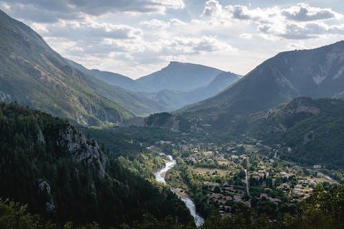 Foto d'estoc gratuïta de bell paisatge, castellane, muntanya, muntanyes