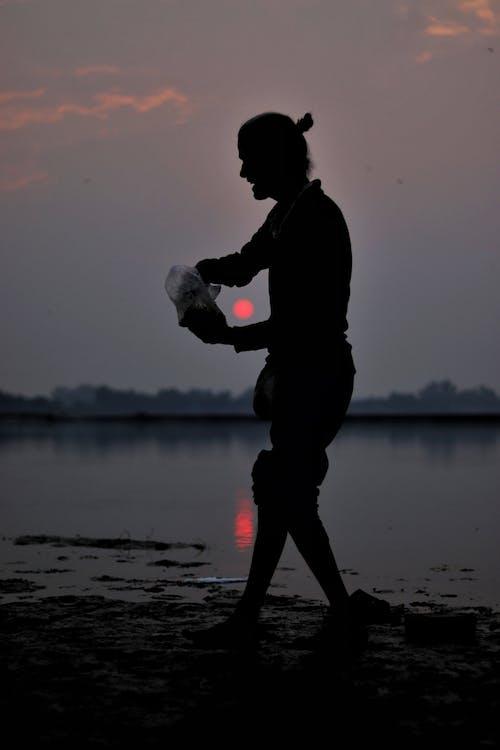 Fotos de stock gratuitas de chico indio, cielo del atardecer, gente asiatica, hermoso atardecer