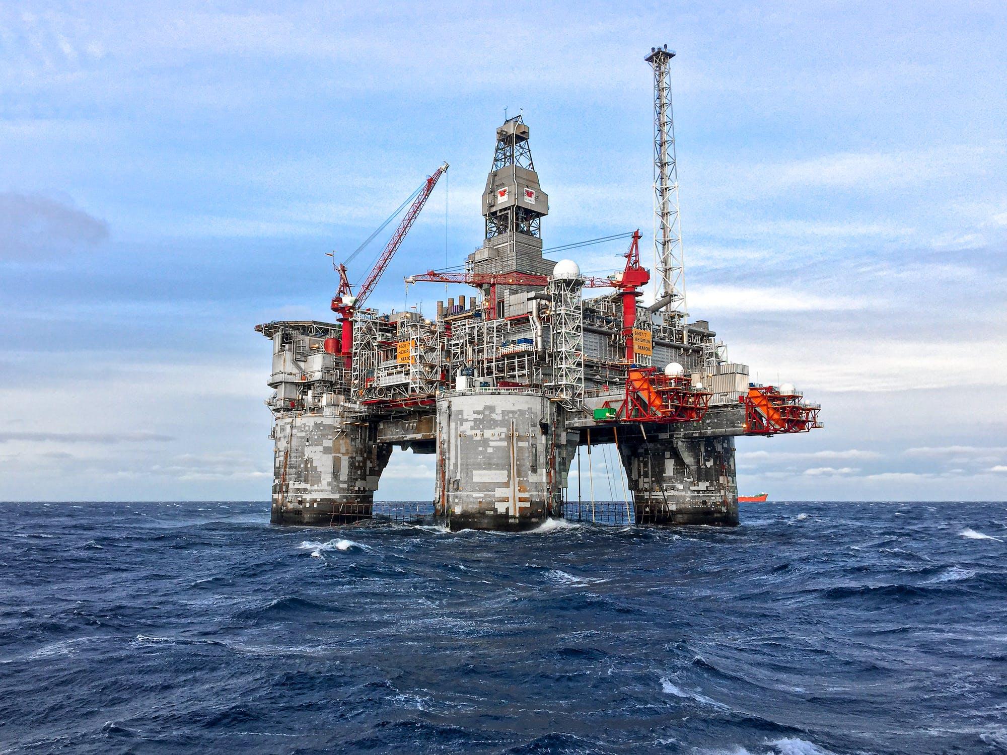 Oil industry needs 0 billion to avoid future supply crises, says Moody's