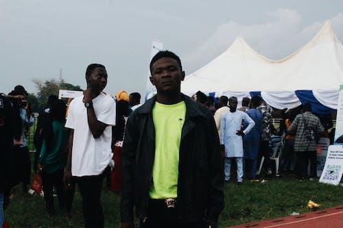 アフリカ, アフリカの少年, アフリカ人, コンサート会場の無料の写真素材