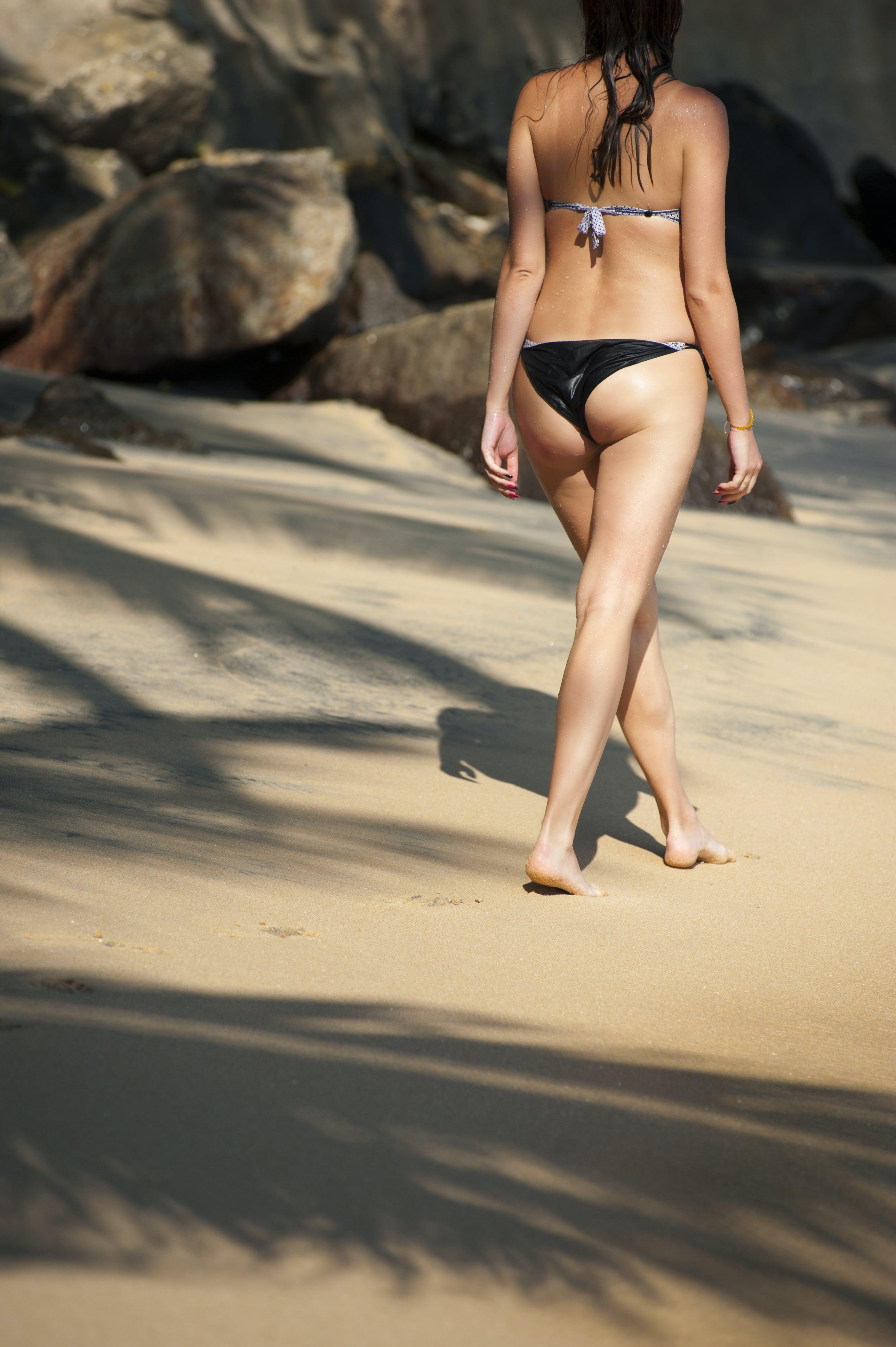 Fotos de stock gratuitas de arena, atractivo, bikini, chica