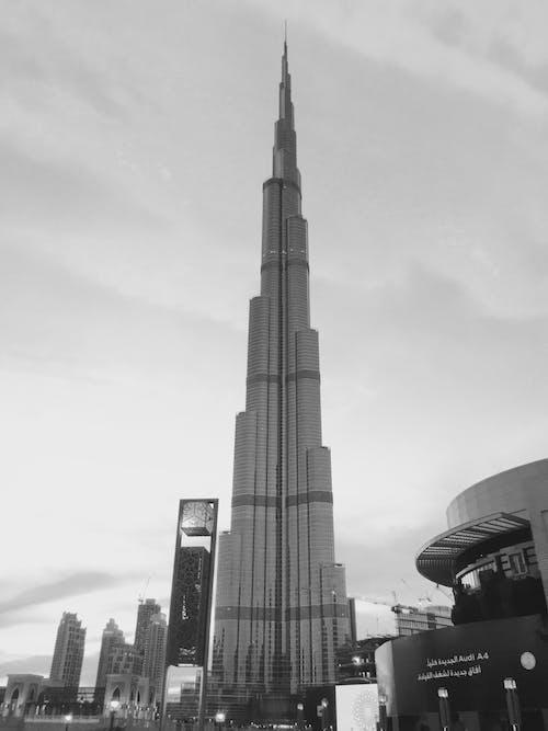 Kostnadsfri bild av b & w, burj khalifa, horisont, reflektion