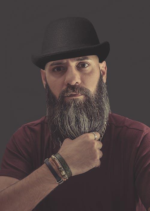Fotos de stock gratuitas de barba, Bigote, brazaletes, expresión facial