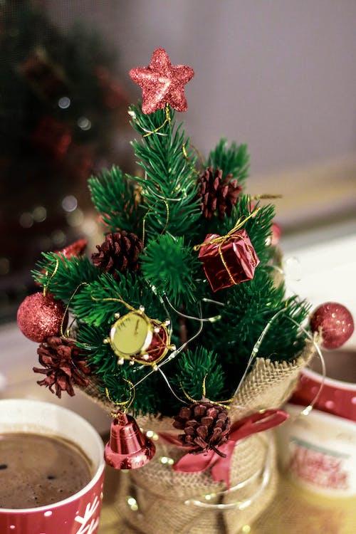 Gratis stockfoto met advent, blurry achtergrond, decoratie, kerstballen