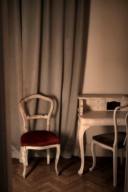 Foto profissional grátis de Antiguidade, cadeira, casa, design de interiores