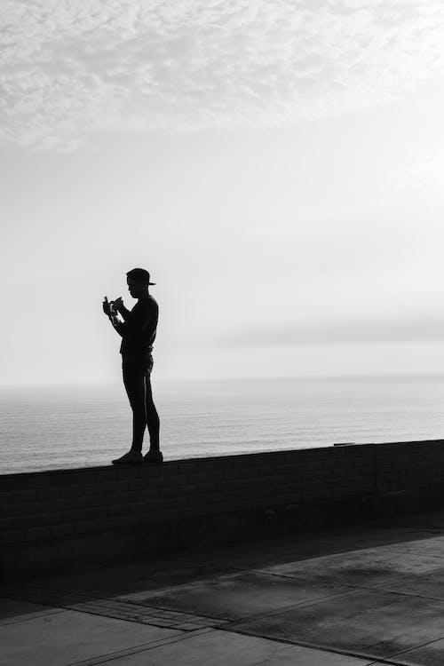 Безкоштовне стокове фото на тему «відтінки сірого, дозвілля, монохромний, надворі»
