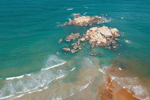 Δωρεάν στοκ φωτογραφιών με ακτή, άμμος, βράχια, βραχώδης