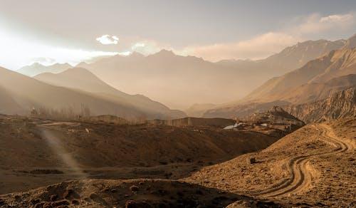 Imagine de stoc gratuită din apus, aventură, ceață, deal