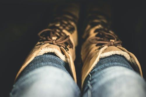 Fotos de stock gratuitas de botas, calzado, color, cordones de zapato