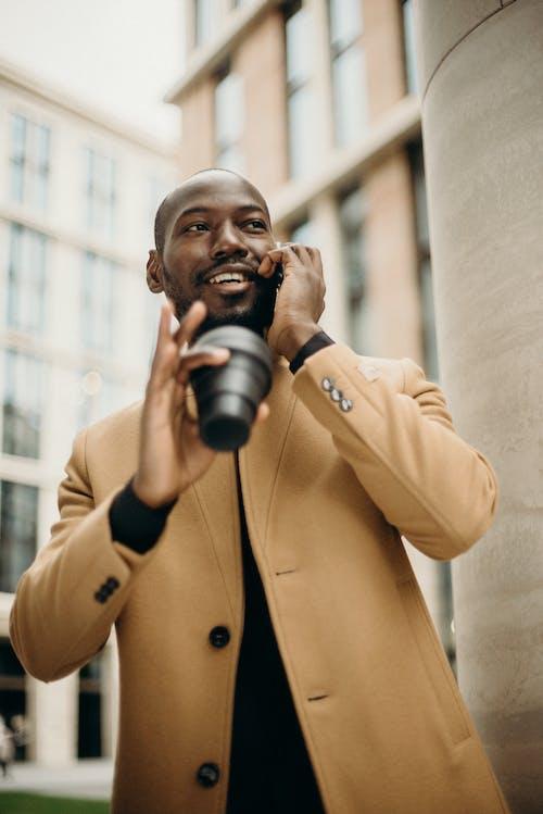 거리, 남자, 도시의, 말하는의 무료 스톡 사진