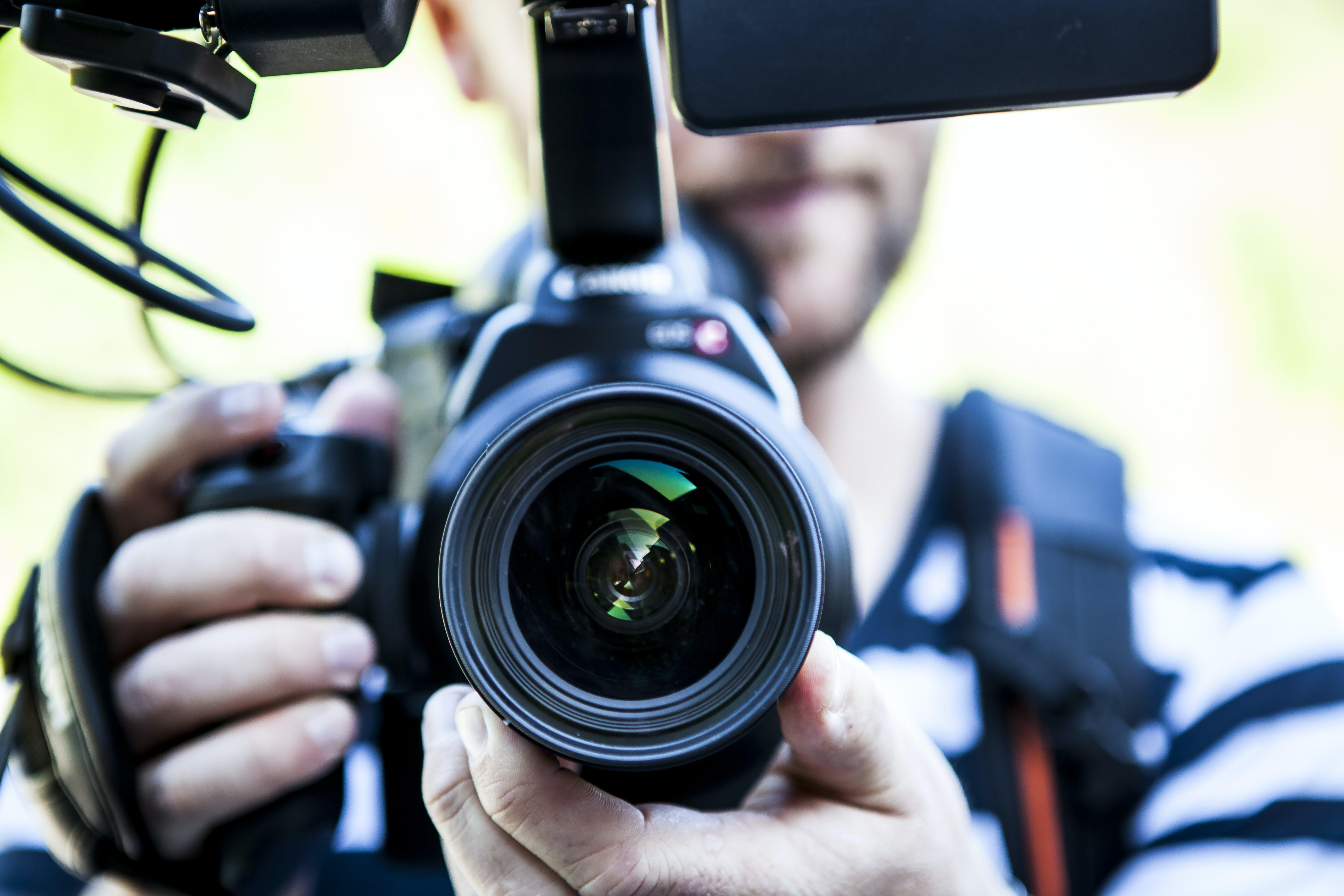 Kostenloses Stock Foto zu mann, person, menschen, kamera