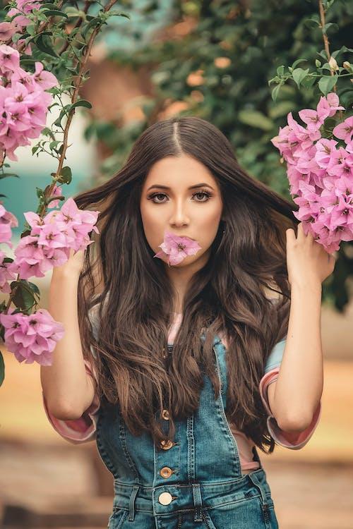 Бесплатное стоковое фото с брюнетка, женщина, красивая, красивая женщина
