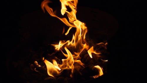 Бесплатное стоковое фото с ночь, огонь, пламя