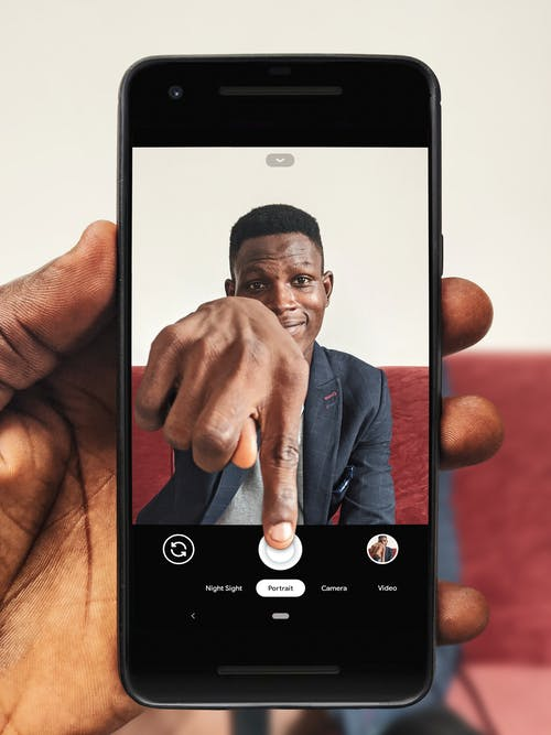Photos gratuites de 20-25 ans homme, afro-américain, appareil digital, appareil numérique