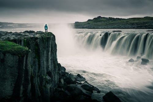 Immagine gratuita di cascata, islanda, scogliere
