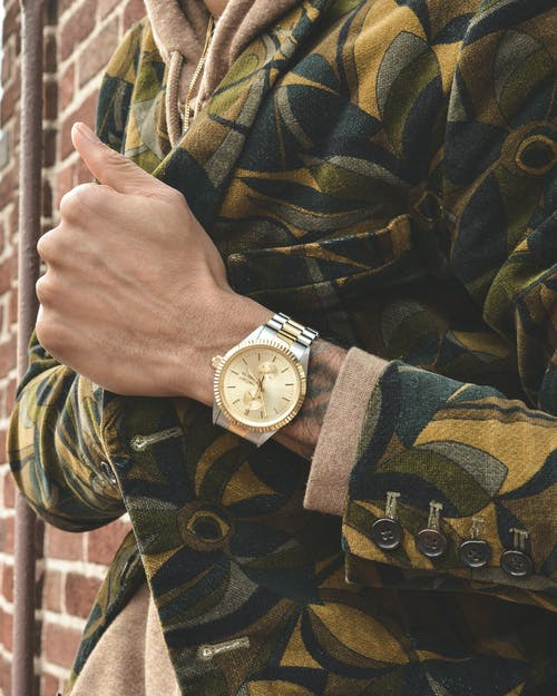 คลังภาพถ่ายฟรี ของ คน, ชม, นาฬิกาข้อมือ, อุปกรณ์เสริม