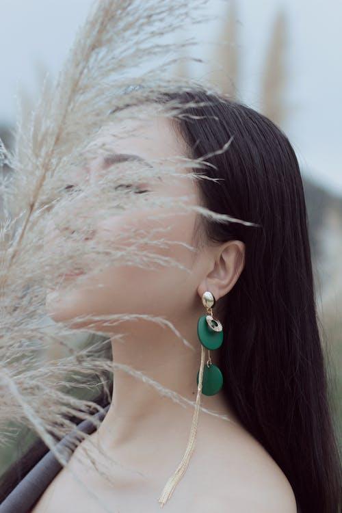 Gratis lagerfoto af Asiatisk pige, off shoulder, ørering, Sexet