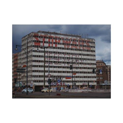 Berlin, stop lambası, urbex, vahiy içeren Ücretsiz stok fotoğraf