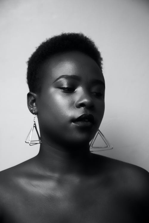 Безкоштовне стокове фото на тему «афро-американська жінка, великий план, вираз обличчя, волосина»
