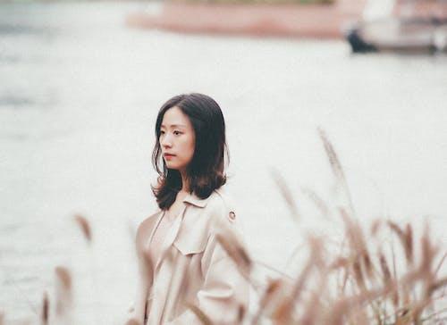Gratis lagerfoto af asiatisk kvinde, kvinde, overtøj, person