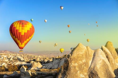 Ingyenes stockfotó háttér, hőlégballon, hőlégballonok, kappadókia témában