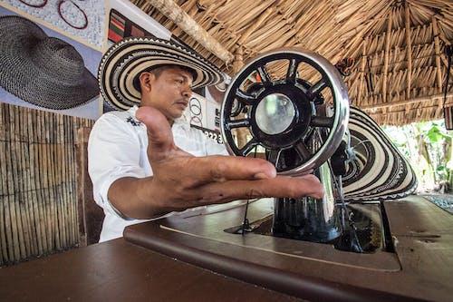 Foto stok gratis bekerja, jahit, laki-laki, mesin