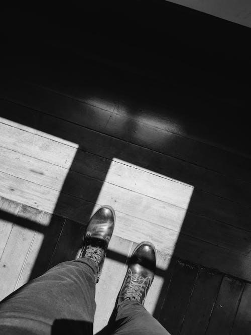 Základová fotografie zdarma na téma kožené boty, kůže, lehký, muž