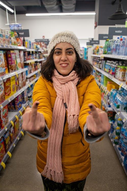 Immagine gratuita di arrabbiato, incazzato, negozi di generi alimentari, shopping